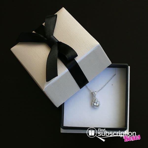 February 2014 Cate & Chloe VIP Box Review