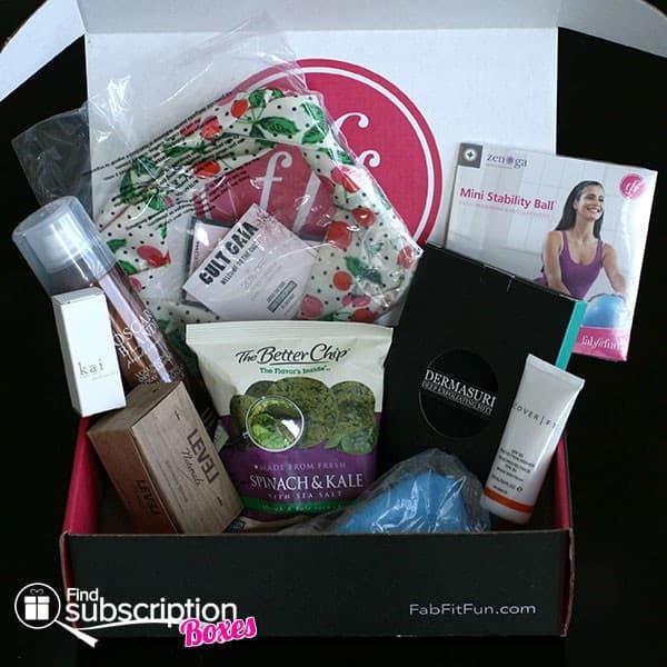 Spring 2014 FabFitFun VIP Box Review - Inside the Box