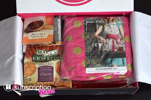 Fall 2014 FabFitFun VIP Box Review - First Look