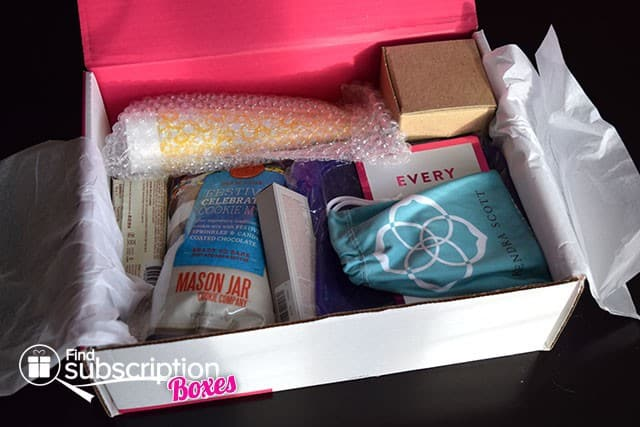 August 2014 POPSUGAR Must Have Box Review - First Look