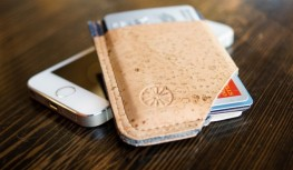 Get a FREE Slide Wallet with New Mantry Subscriptions