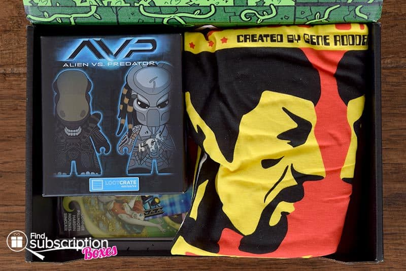 March 2016 Loot Crate Review - Versus Crate - First Look