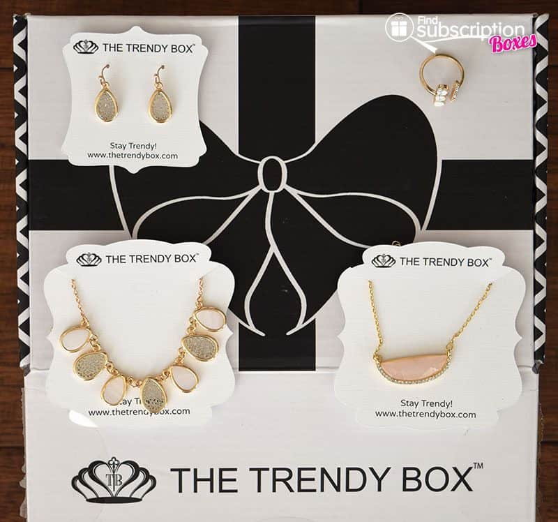 April 2016 The Trendy Box Review - Box Contents