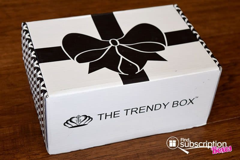 April 2016 The Trendy Box Review - Box