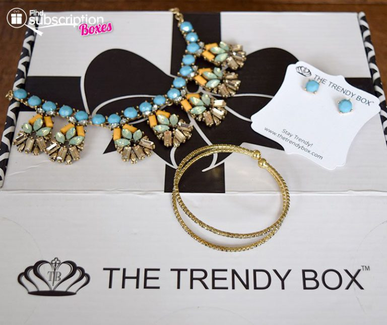 May 2016 The Trendy Box Review - Box Contents