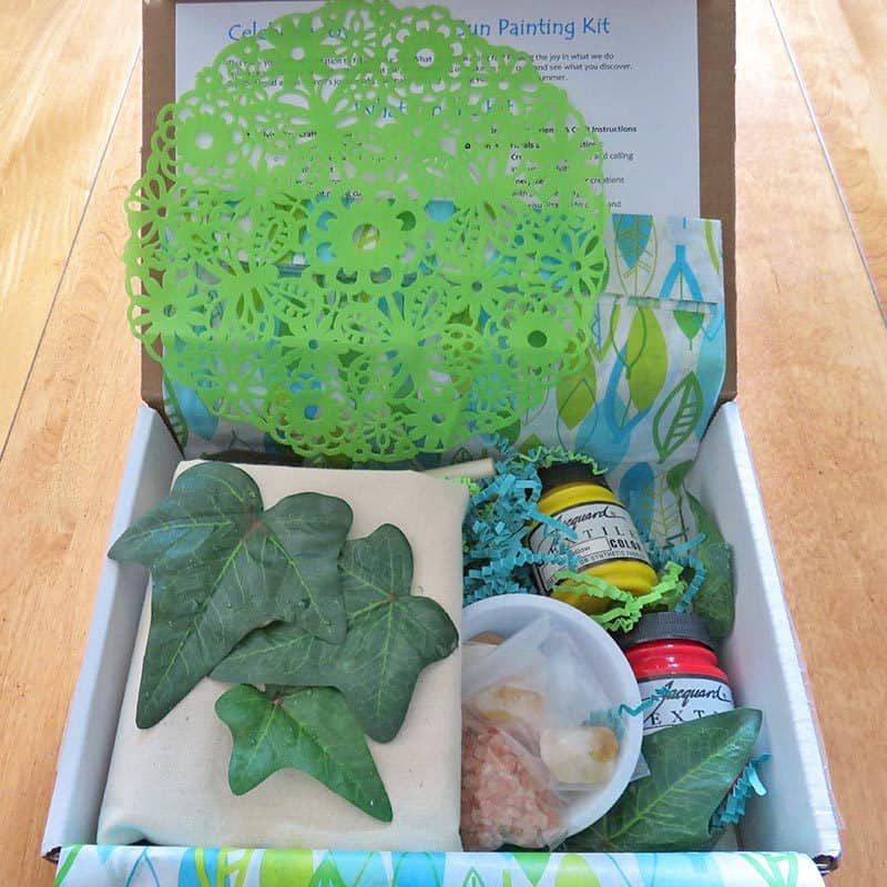 August 2016 Divine You Crafts Review - Inside the Box