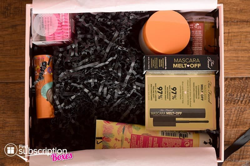 August 2016 GLOSSYBOX Review - First Look