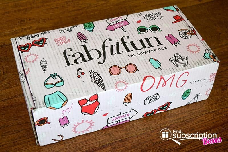 Summer 2016 FabFitFun VIP Box Review - Box