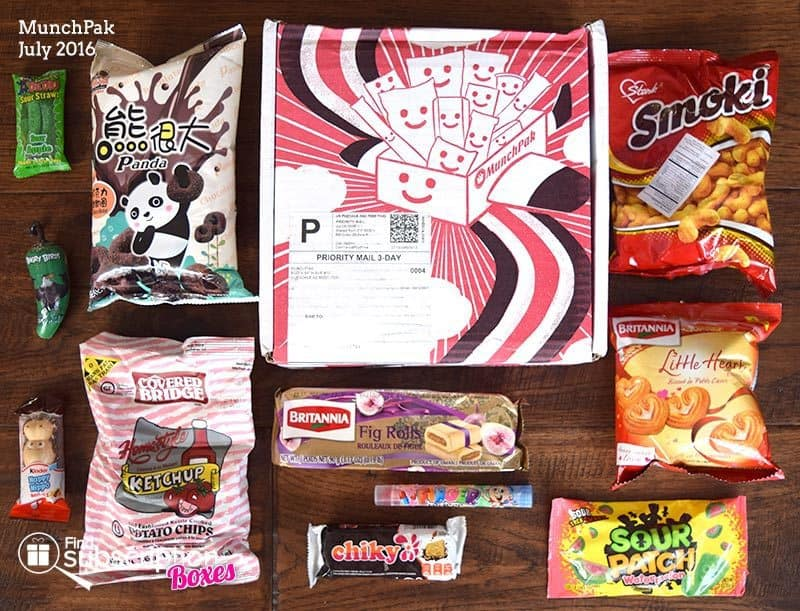 July 2016 MunchPak Review - Box Contents