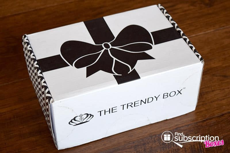 July 2016 The Trendy Box Review - Box