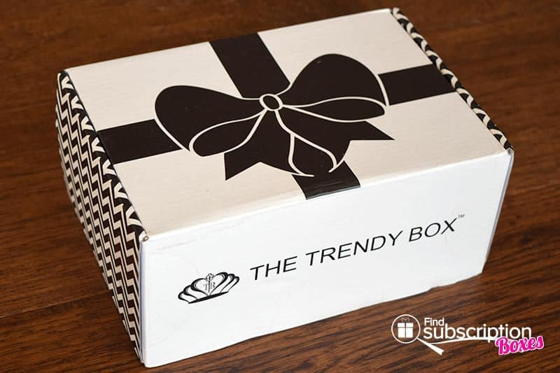 June 2016 The Trendy Box Review - Box