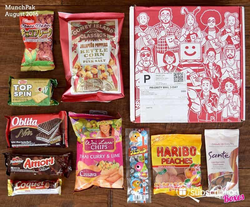 August 2016 MunchPak Review - Box Contents