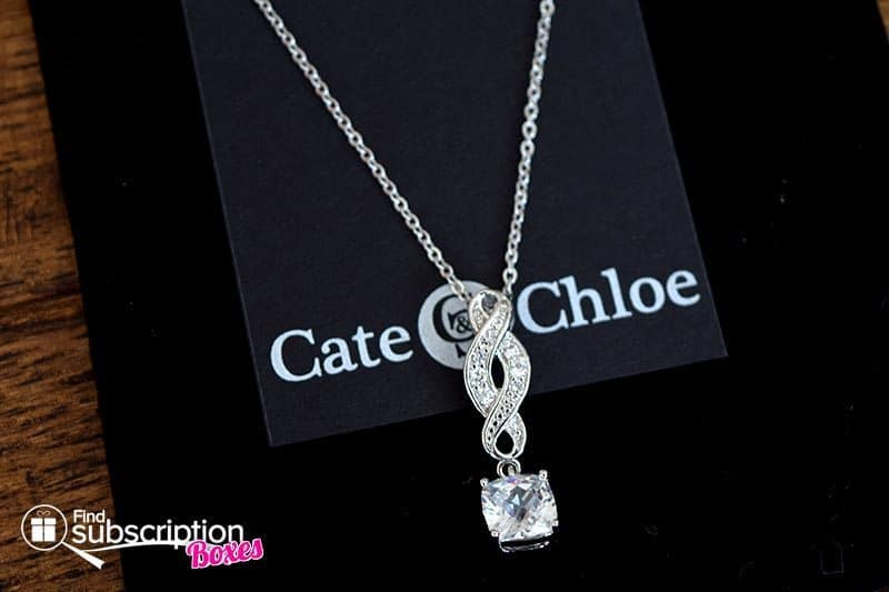 """Cate & Chloe VIP Box October 2016 Review - Iris """"Noble"""" 18k Gold Infinity Necklace"""