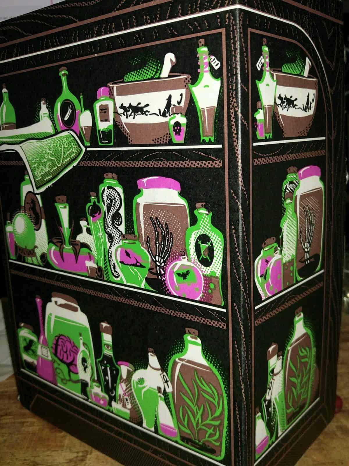 November 2016 Loot Crate Review - Magical Crate - Box