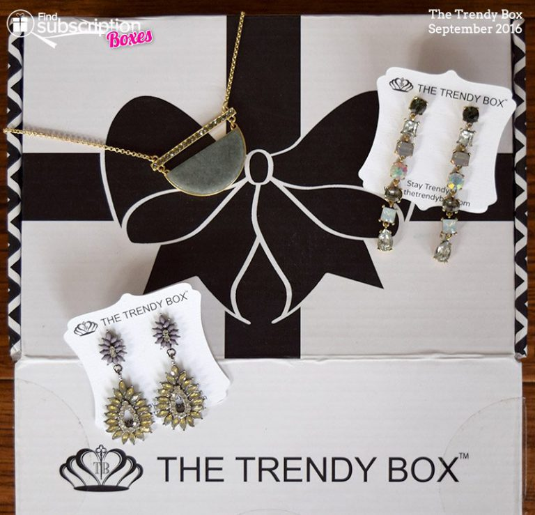 September 2016 The Trendy Box Review - Box Contents