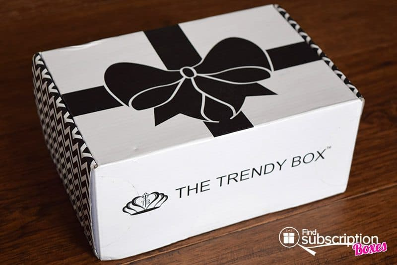 September 2016 The Trendy Box Review - Box