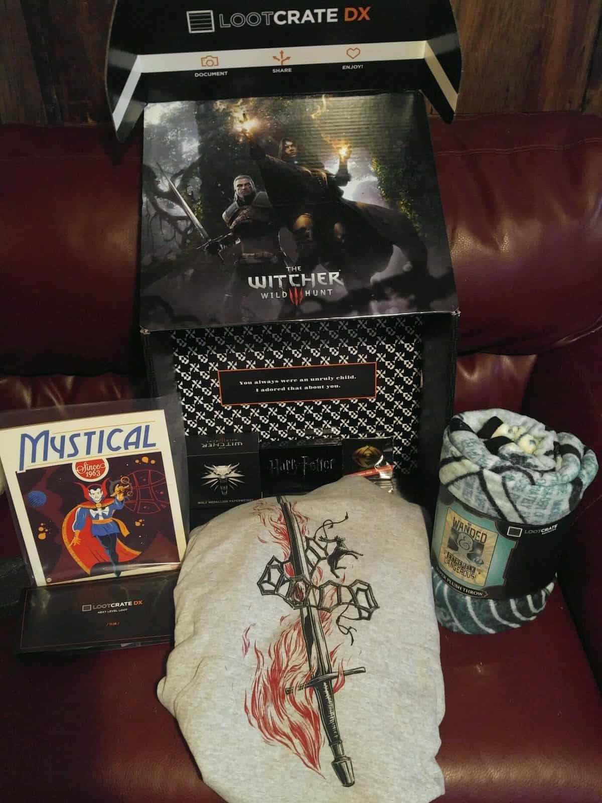 Loot Crate DX November 2016 Review - Box Contents