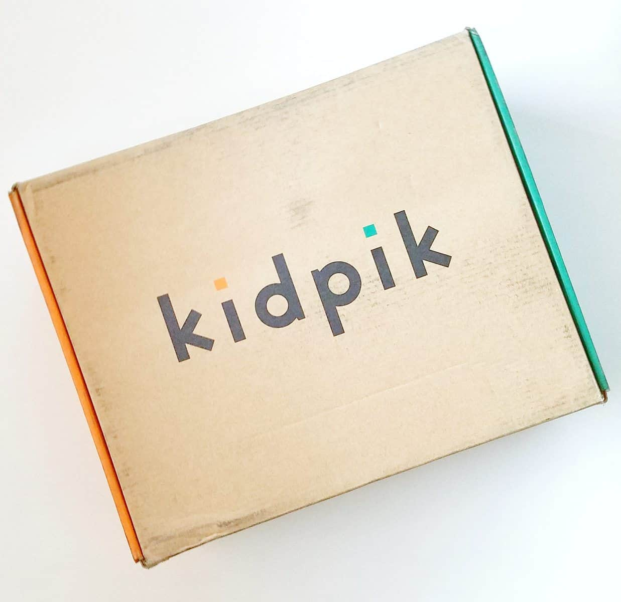Kidpik December 2016 Review - Box