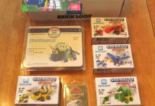 March 2017 Brick Loot Review - Brickasaurus World - Box Contents