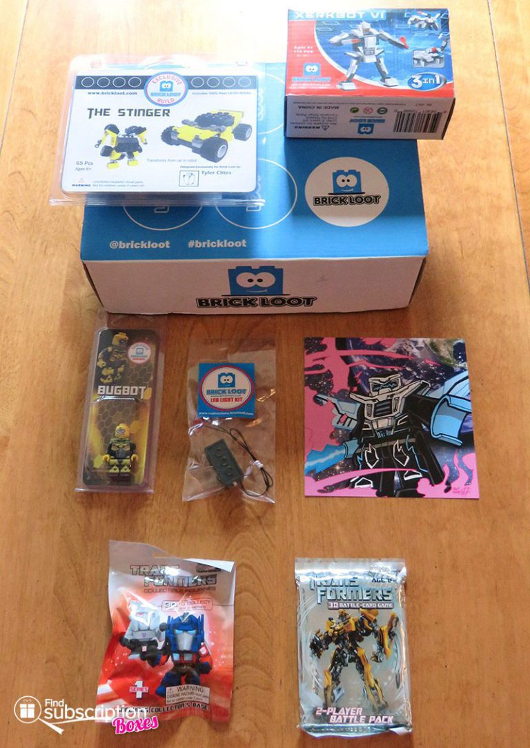 June 2017 Brick Loot Review: Bricklooters…Roll Out! - Box Contents