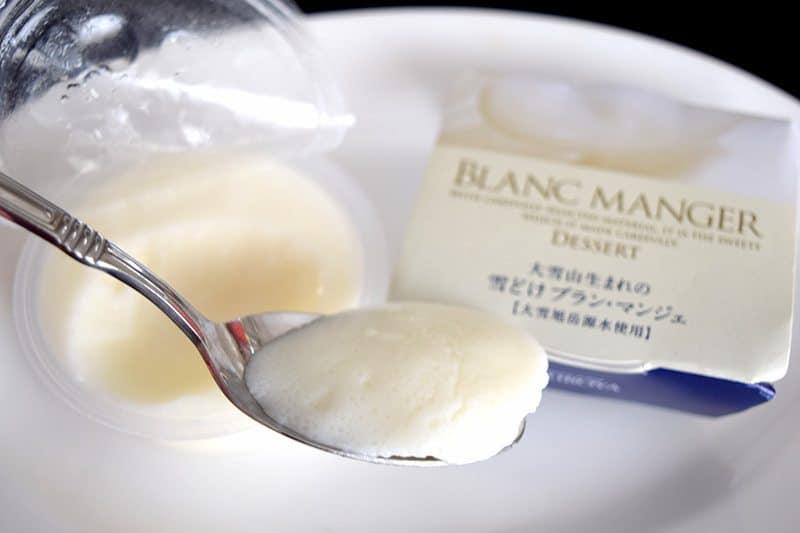 August 2017 Bokksu Review - Blanc Manger