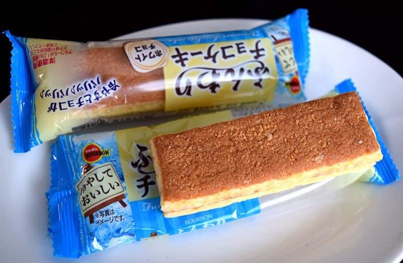 August 2017 Bokksu Review - Fluffy White Chocolate Cake