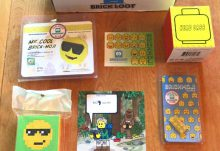 August 2017 Brick Loot Review: Brickmoji - Box Contents