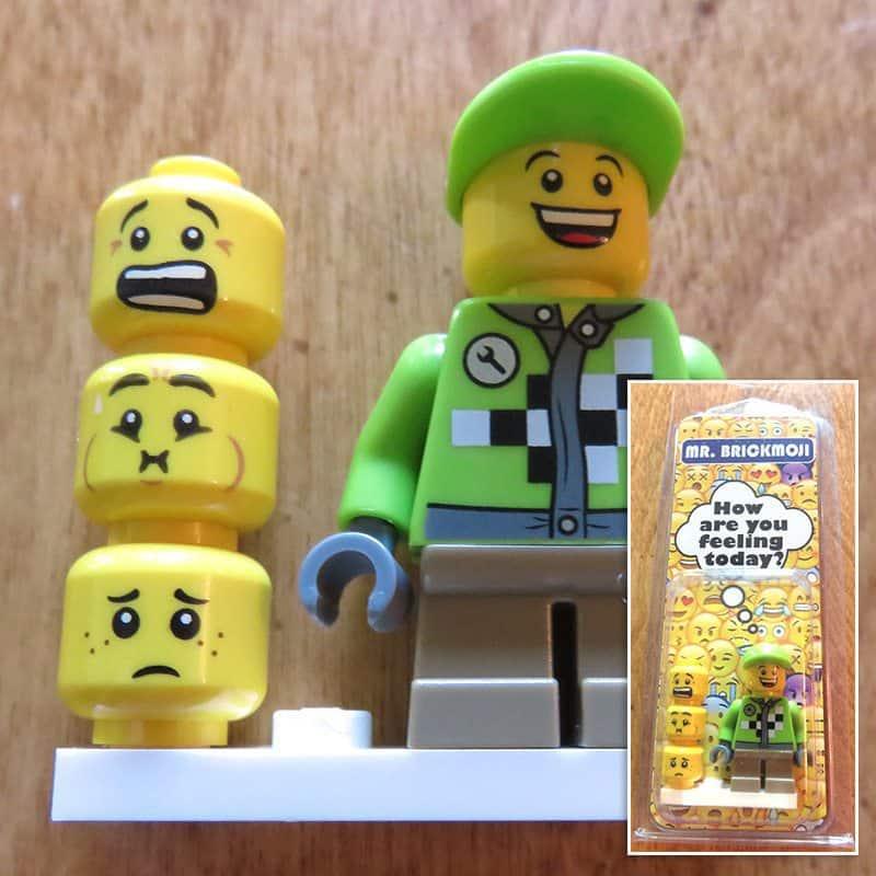 August 2017 Brick Loot Review: Brickmoji - Mr. Brickmoji