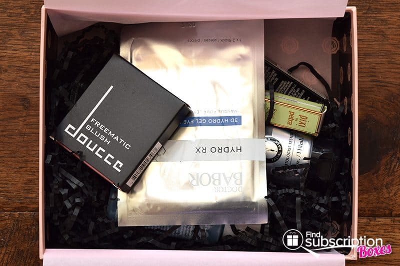 August 2017 GLOSSYBOX Review - First Look