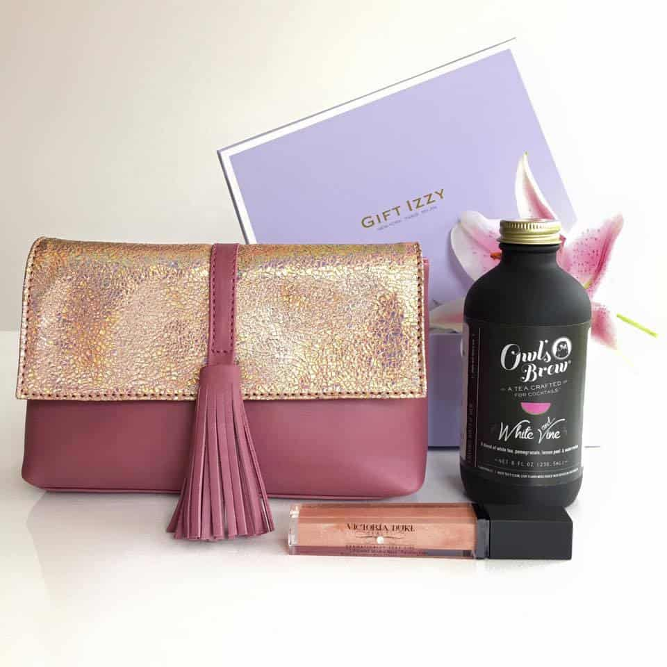 Gift Izzy Luxury Subscription Box